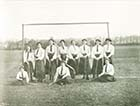 Eastern Esplanade/Brondesbury School Hockey Team  1911 [Guide]